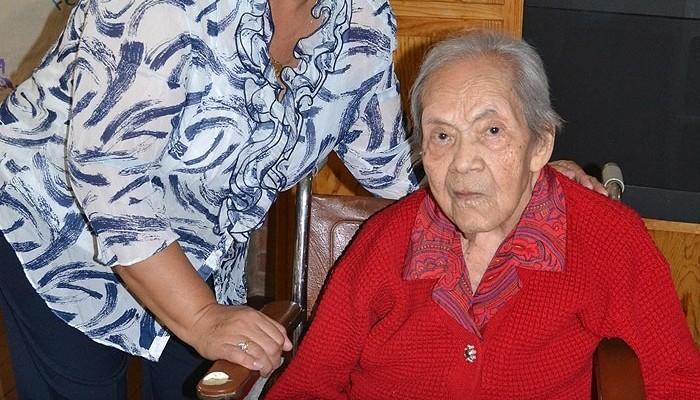 Festejó el DIF de Soledad a Doña Trinidad por sus 103 años de vida