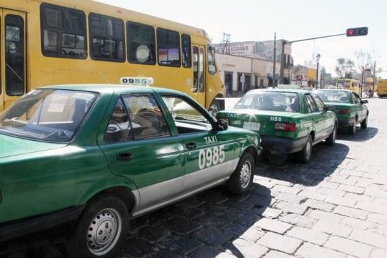 Se aprueba en Comisión del Congreso ajuste a las tarifas de taxi en la entidad.