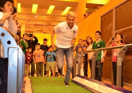 Convivieron jugadores del ASL en la Expo de fútbol en el Museo Laberinto