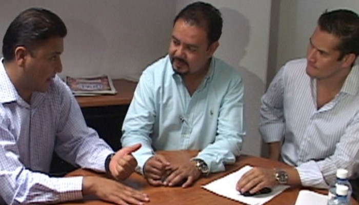 Ante cuestionamientos, Durón pide a Regidores que lo defiendan