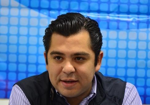 Pide Diputado Enrique Flores, apoyos para que traileros cambien unidades de carga