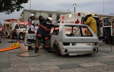 Imparten cursos de actualización en rescate a integrantes de Cruz Roja