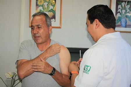 Avance del 88% en aplicación de la vacuna de la influenza