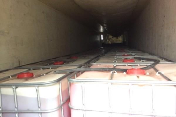 Detiene Policía Federal a trailero que transportaba 24 mil litros de combustible ilegal