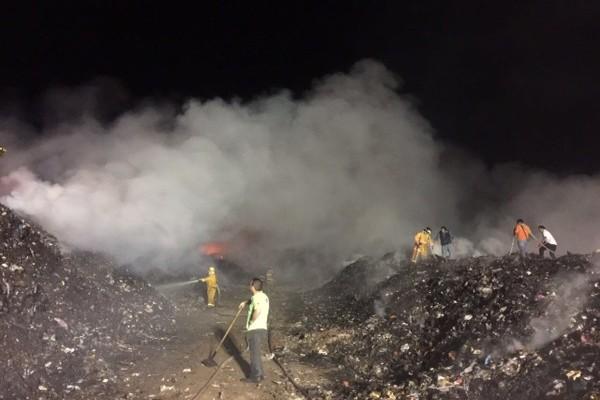 Se incendia tiradero de Soledad, trabajan en controlar las llamas