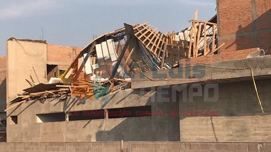 Derrumbe en construcción, lesiona a siete trabajadores