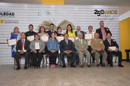 Ayuntamiento de Soledad, reconoció a los maestros por su labor