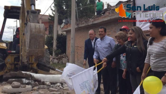 Arrancó Ricardo Gallardo pavimentación de cinco calles en el norte de la Capital