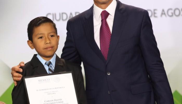 Alumno Potosino obtiene primer lugar de la Olimpiada del Conocimiento en educación indígena