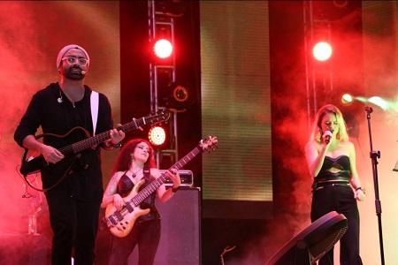 Al compás de la música pop de Sandoval, inició el Teatro del Pueblo de la Fenapo