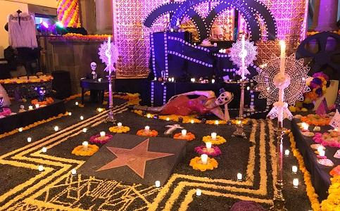 Ayuntamiento capitalino inauguró el Altar de Muertos