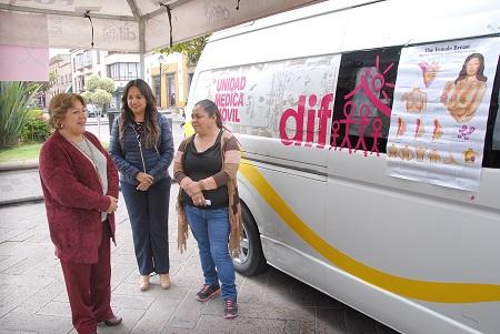 DIF capitalino se suma a sensibilización para prevención del cáncer de mama