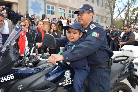 Ángel Benjamín cumplió su sueño de ser policía