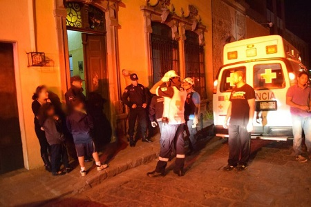 Hombre muere atrapado, tras derrumbe en vivienda del Centro
