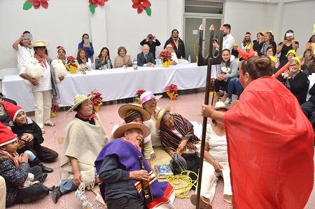 Alcalde y presidenta del DIF, celebraron con posada a adultos mayores