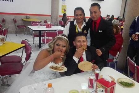 Novios se vuelven famosos, por ir a celebrar su boda en una taquería [Fotos]