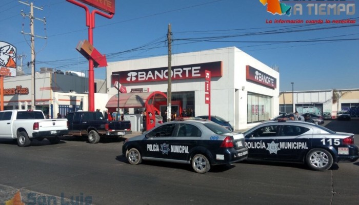 Asaltan sucursal bancaria en Acceso Norte