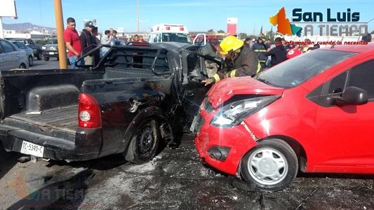Carambola deja un muerto y cuatro heridos en la Carretera 57  [VIDEO]