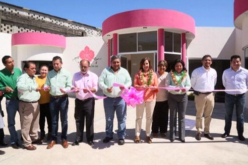 Lorena Valle inauguró nuevas instalaciones del DIF Municipal de Tamasopo