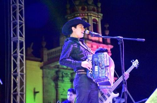 Ameno y espectacular inicio de la Feria de la Enchilada con talento potosino