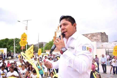 Mis compromisos de campaña serán notariados: Ricardo Gallardo Cardona