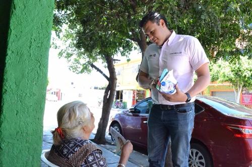Cobro justo por el agua potable que se recibe, propone Luisfer Alonso