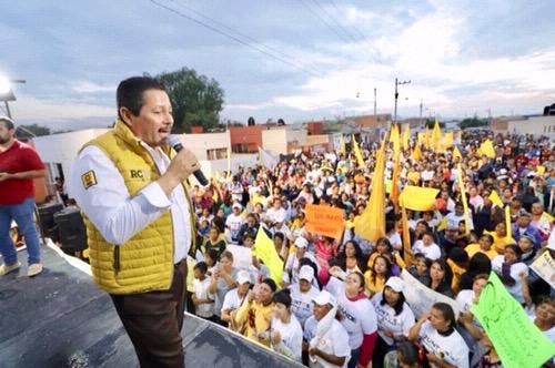 Seguiremos pavimentando calles en colonias populares: Ricardo Gallardo Juárez
