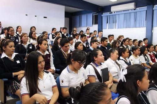 Aplican Prueba Domina a estudiantes del Colegio de Bachilleres