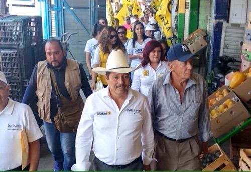 En Abastos, Ricardo Gallardo se compromete a dar mejores servicios y mayor seguridad