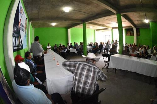 Apoyaremos permanentemente al sector ganadero de la capital: Xavier Nava