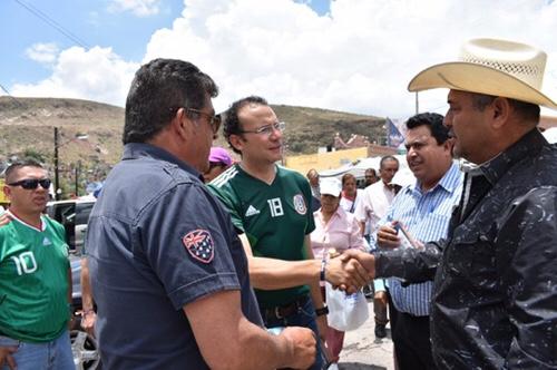 Nava Palacios promete atención para las periferias de la capital