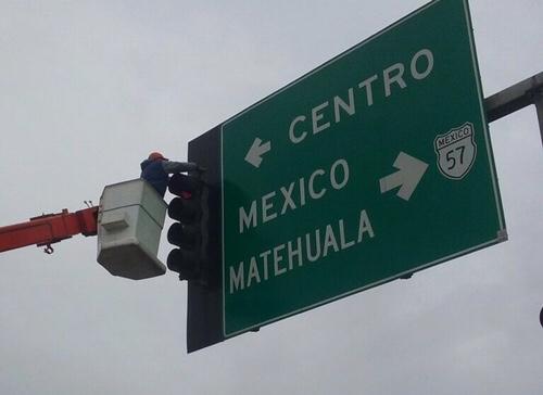 Realizan revisión y mantenimiento a semáforos en Soledad