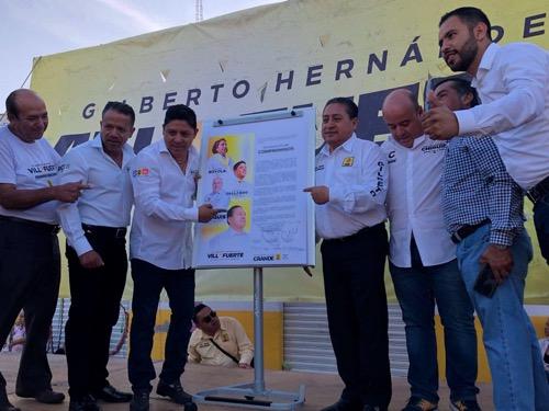 Ricardo Gallardo Cardona formaliza compromisos ante Notario Público