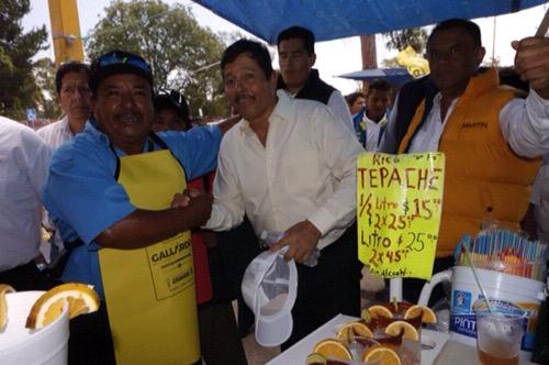 Consultorio médico itinerante para comerciantes de Las Vías, propone Ricardo Gallardo Juárez