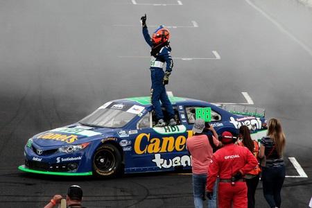 Triunfa Rubén García Jr. de Canel´s, en NASCAR Puebla