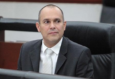 El diputado Eduardo Guillén Martel presentó una iniciativa para expandir la nueva Ley.