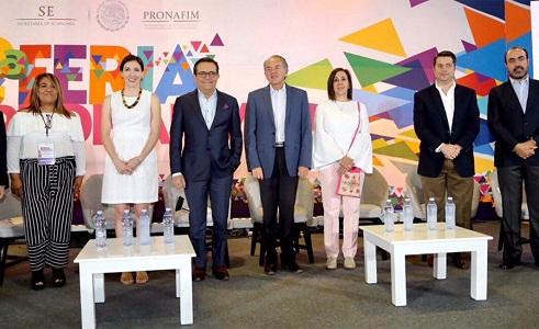 Gobernador Carreras y secretario de economía inauguran feria del programa Nacional de Financiamiento.