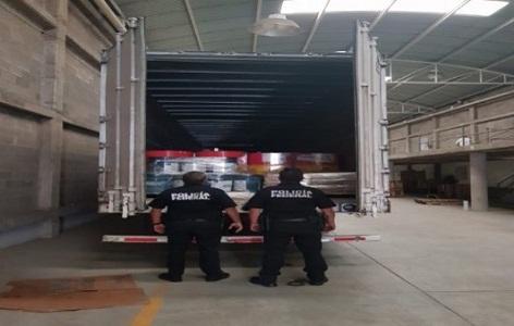 Recuperan PF cargamento robado de lubricantes automotrices.