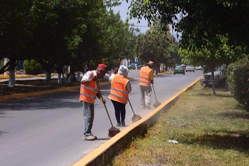 Servicios Municipales de Soledad, da mantenimiento a avenidas y vialidades