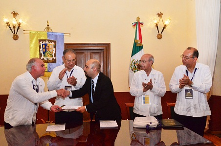 """Gobierno municipal otorgó título de """"visitante distinguido"""" a congresistas masónicos"""