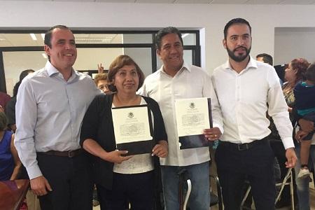 INE entrega constancia de mayoría a Leonor Cervantes y Marco Gama como Senadores electos por SLP