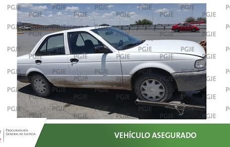 Detienen a sujeto por conducir vehículo con reporte de robo.