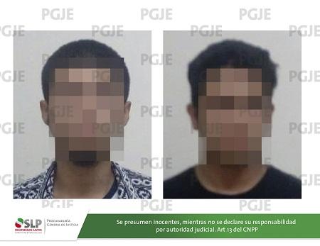 Captura la PGJE a dos jóvenes que viajaban a bordo de vehículo robado.