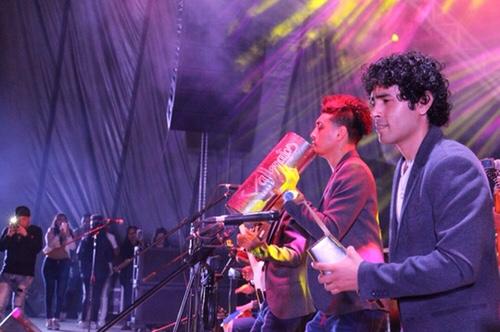 Los Vallenatos de la Cumbia lo volvieron a hacer y llenaron el Teatro del Pueblo de la Fenapo