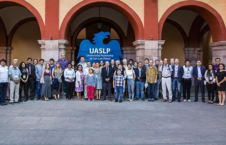 Rector de la UASLP recibió a integrantes de la Sociedad Norteamericana de Fiotoquímica.