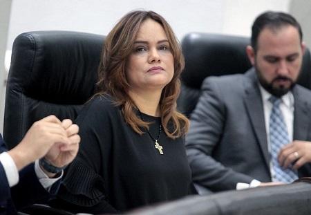 Urgente que autoridades resuelvan problemática del Hospital de Rioverde: Vianey Montes
