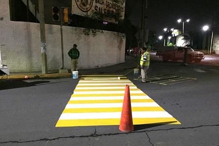 Imagen Urbana aplica pintura tráfico en Manuel Nava, Niño Artillero y Universidad