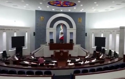 Diputados aplican madruguete… Adelantan Informe Legislativo, solo para ellos
