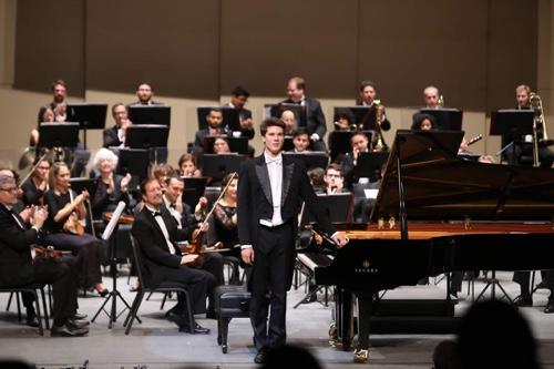 Vladimir Petrov obtiene triunfo en Concurso Internacional de Piano, celebrado en Mérida,Yucatán