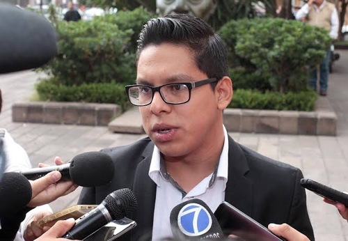 "Habrá ""jalón de orejas"" a diputadas de Morena que votaron a favor del aumento al agua"